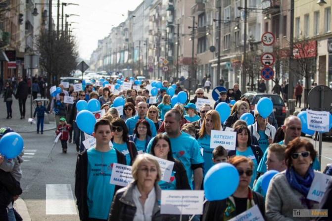 World Autism Awareness Day in Gdynia photo Jakub Woźniak-12