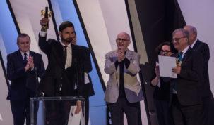 Piotr Domalewski with the Golden Lions award for the best film of 42. Polish Film Festival, photo: Jakub Wozniak/Tricity News