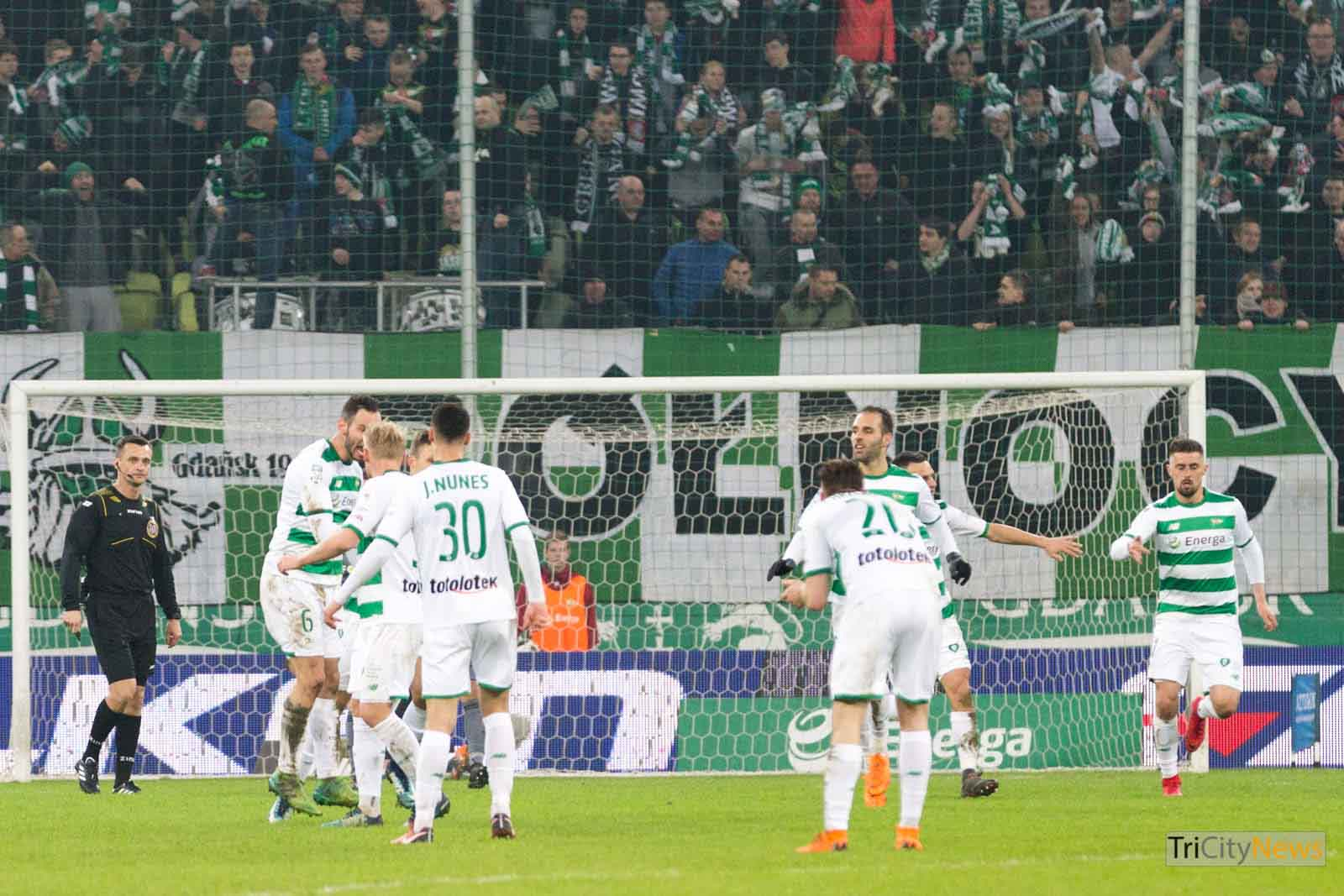 Lechia Gdansk reaches the top, Arka loses in Kielce ...